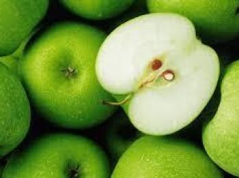 تناول التفاح الأخضر على الريق .. فوائد خيالية