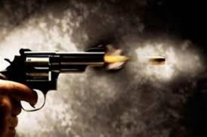 عاجل .. مضاربة تنتهي بطلقات نارية تستقر في جسد مواطن بمركز الحقو