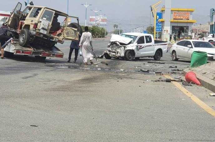 حادث تصادم بالقرب من محطة الوقود بمدخل مركز الحقو – صورة