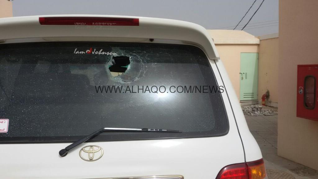 بالصور .. تكسير زجاج سياره مدير مدرسه بنجران وشرطة الصفاح تفتح تحقيق بالحادثة