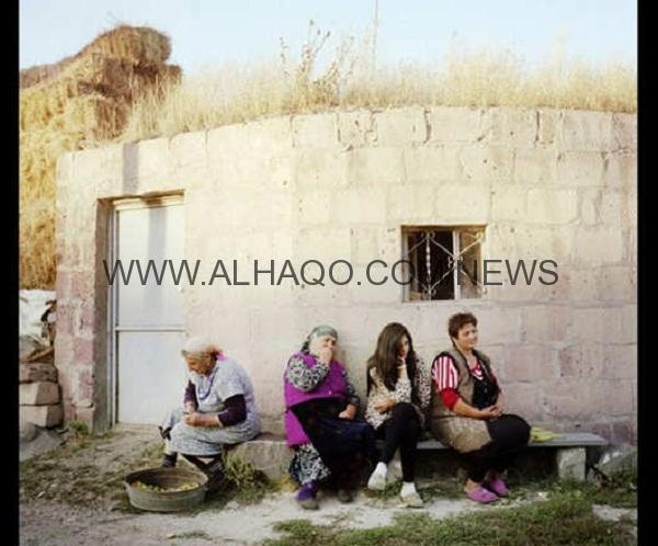 صور: كيف هي الحياة في قرية فقدت رجالها؟