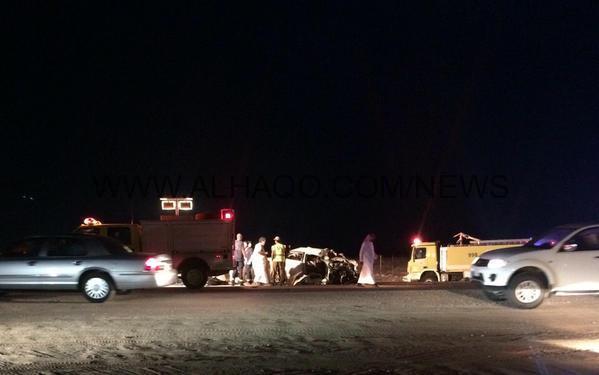بالصور : مصرع أربعة أشخاص وإصابة اثنَيْن فى حادث تصادم بالقرب من السفانية