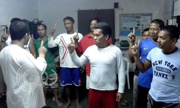 ثمانية أشخاص من الجالية الفلبينية يشهرون اسلامهم بمكتب دعوة عتود بجازان