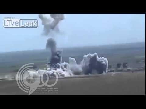 فيديو: سيارة مفخخة تابعة لداعش تحلق في السماء قبل أن تنفجر