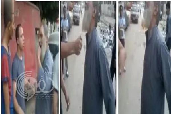 فيديو: مصريان يشعلان النيران في لحية مسن