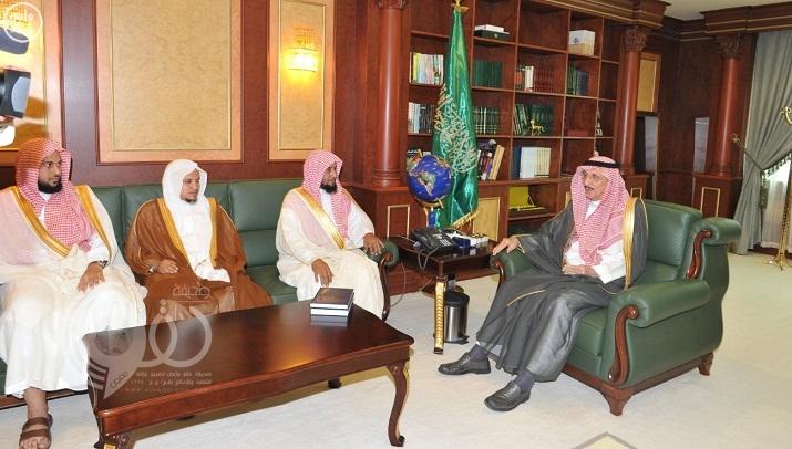 أمير جازان يستقبل رئيس المحكمة العامة ومديري الإدارات الحكومية بمناسبة شهر رمضان المبارك