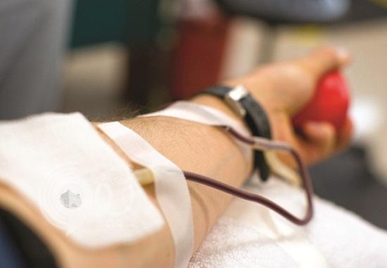 70 مشاركاً في حملة للتبرع بالدم بمدينة جيزان