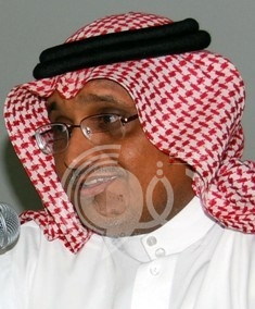 السهلي يقوم بتفقد المصابين بمستشفى الملك فهد