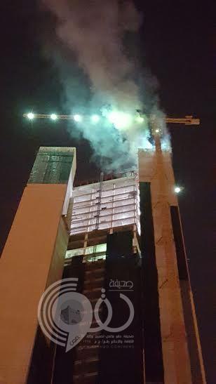 بالصور : السيطرة على حريق اندلع في برج الراجحي بطريق الملك فهد بالرياض