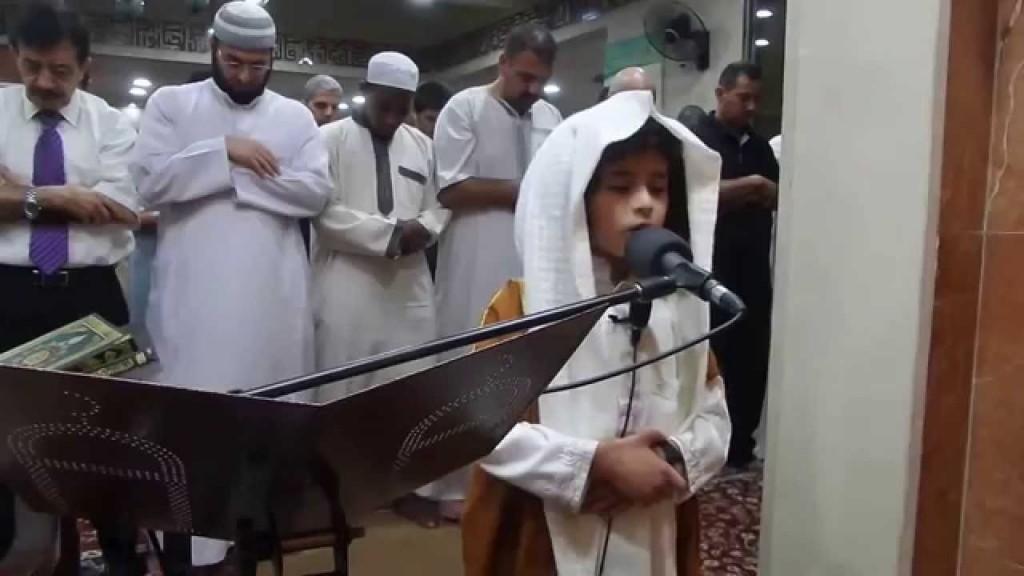 فيديو: طفل أردني يؤم المصلين في التراويح.. ويُدهشهم بصوته الشجي