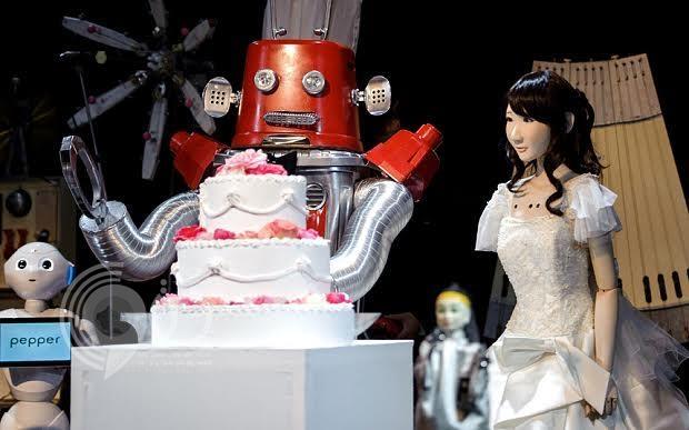 فيديو … اليابان تعقد أول زفاف لروبوت