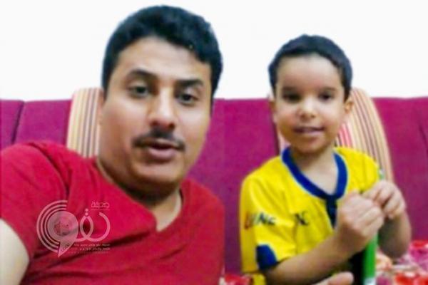 """""""شرطة الرياض"""" تحقق في مقطع فيديو لطفل هدد والده بالذبح"""