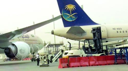 2 مليون ريال تكلفة صيانة الطائرتين المتصادمتين بمطار جدة