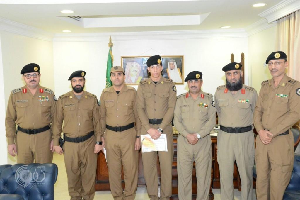 بالصور .. نائب مدير شرطة جازان يكرم المميزين بشرطة بيش