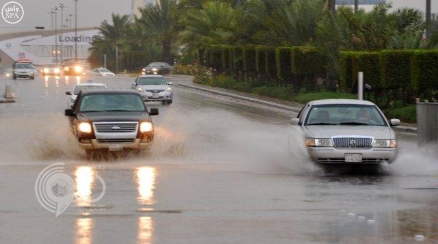 الدفاع المدني يتراجع عن تغريدة أمطار  الرياض