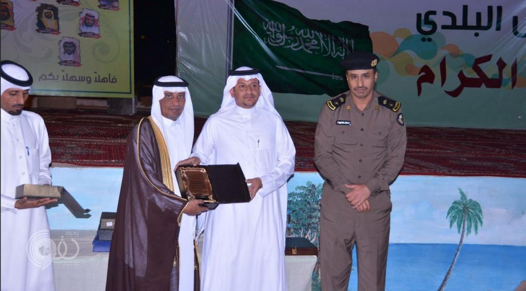 محافظة الريث تكرم ابناءها الحاصلين على الدكتوراه والماجستير