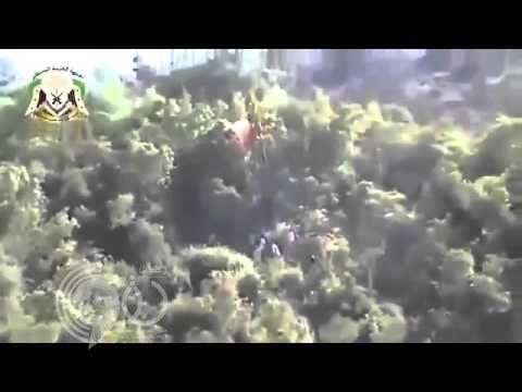 بالفيديو: لحظة أسر أحد الطيارين الروس بعد سقوط الطائرة في جبل تركمان