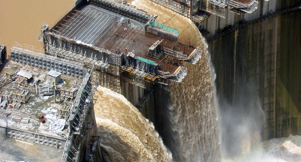 إثيوبيا بدأت حجز مياه النيل عن مصر .. صورة