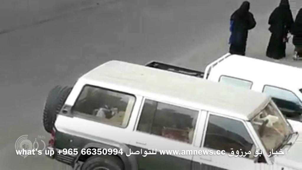 بالفيديو : الإطاحة بمجموعة من الشبان تحرشوا بطالبات إحدى المدارس بخميس مشيط