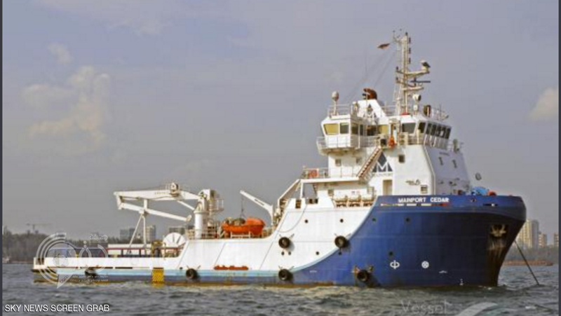 التحالف يحتجز سفينة محملة بعتاد عسكري قادمة من إيران ويقتادها لجازان