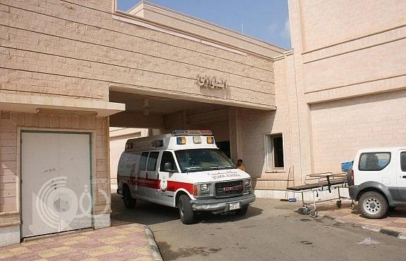 مسنة تتلقى دواءً منتهي الصلاحية في مستشفى أبو عريش