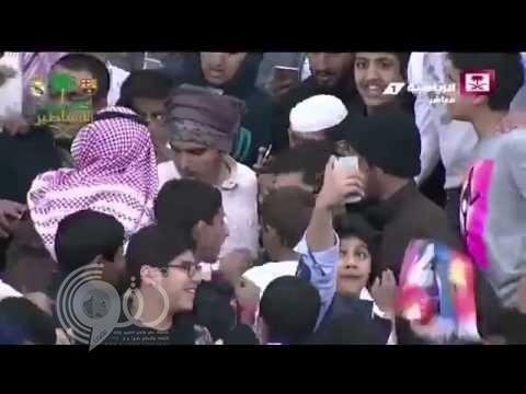 شاهد:موقف محرج لمذيع القناة الرياضية السعودية على الهواء مباشرة