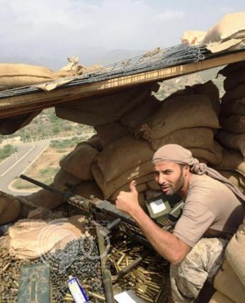 جندي بالقوات البرية يقاتل الحوثيين رغم إصابته مرتين واستقرار رصاصة في رأسه منذ 7 سنوات
