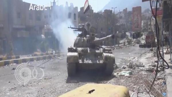 """الجيش والمقاومة يحرران تعز من ميليشيا الحوثي .. و""""هادي"""" يهنئ اليمنيين بالنصر"""