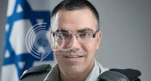 """الناطق باسم الجيش الإسرائيلي يثير ضجة بعد نشر """"أغنية عربية"""" يهنئ بها أمهات العالم"""