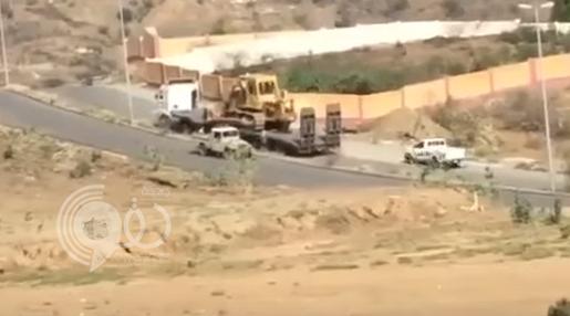 بالفيديو.. خلل في فرامل شاحنة كاد يتسبب بكارثة في جازان