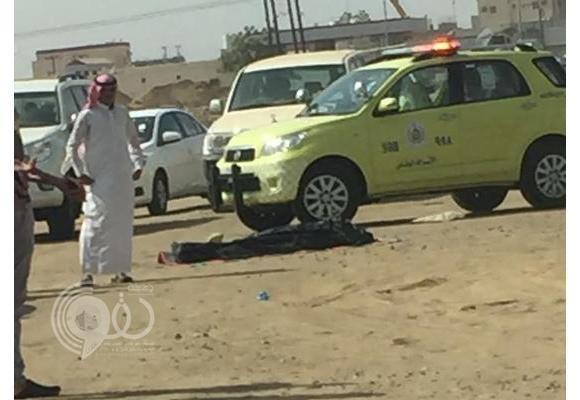 بالصور..انقلاب مركبة يقتل طالب ويصيب شخصين بجازان