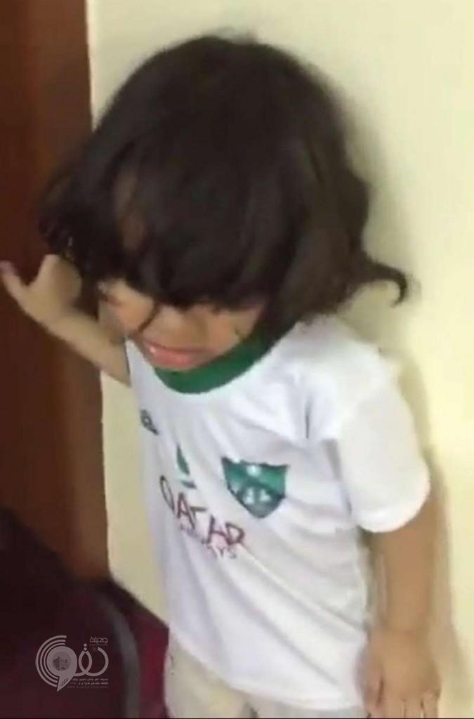 والد الطفل الأهلاوي الشهير المُعتدى عليه يكشف تفاصيل الحادثة