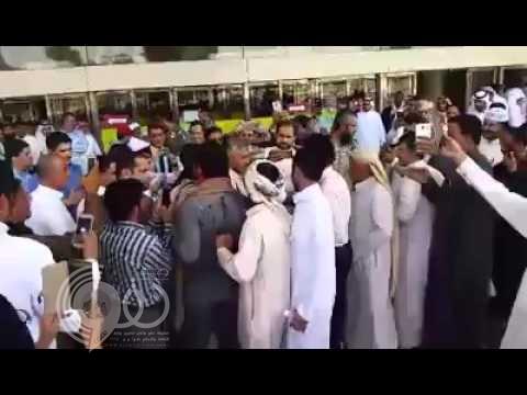 فيديو: استقبال حافل لقائد مقاومة تعز في مطار الملك خالد بالرياض