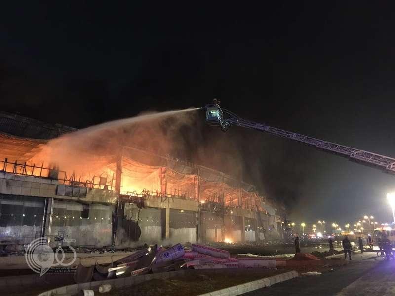 """""""مدني جازان"""": 19 فرقة أخمدت حريق المول والأدلة الجنائية تباشر لكشف أسبابه"""