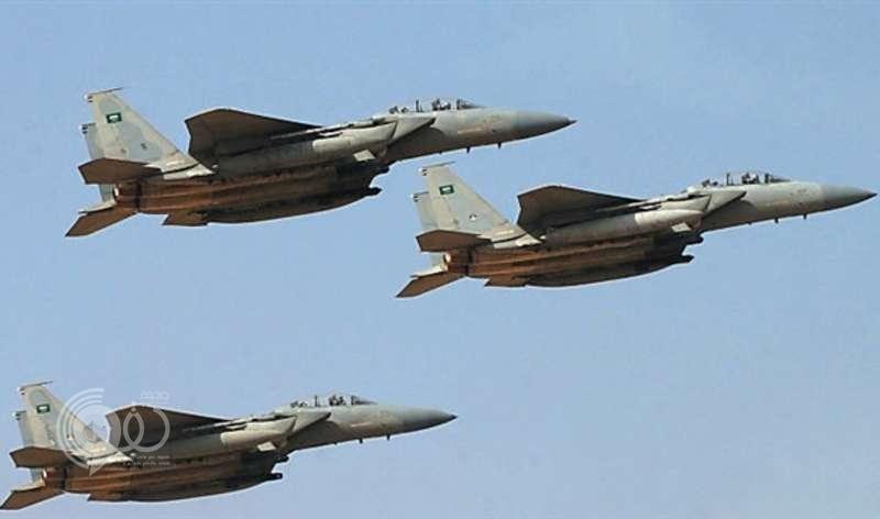 """مجدداً.. """"الحوثي"""" يقصف المدنيين في تعز.. و """"التحالف"""" يدك معاقله"""