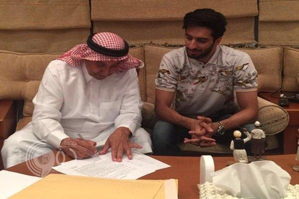 صور: الاتحاد يوقع رسمياً مع المحور الكويتي فهد الأنصاري