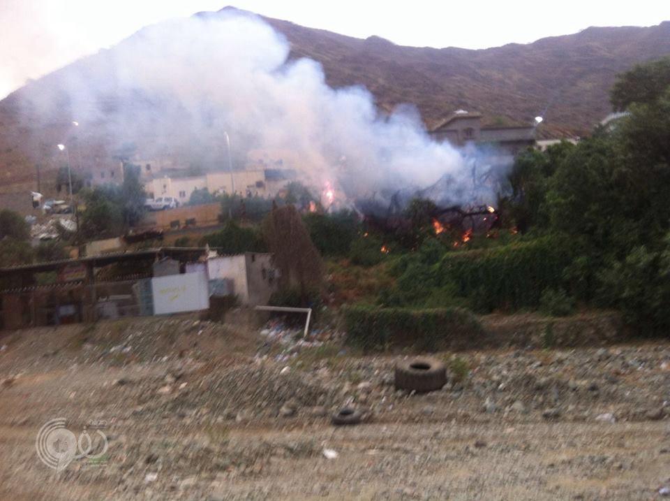 """بالصور """"مدني الريث"""" يباشر حريق بمنزل مواطن عصر اليوم"""