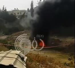 بالفيديو.. اندلاع النيران في حفرة تتدفق منها سوائل نفطية بمحافظة تنومة