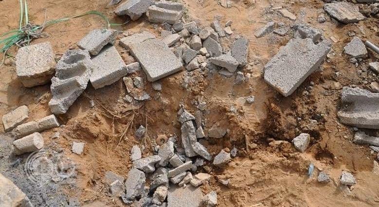 إصابة طفلة عقب سقوط مقذوف على منزل مواطن بجازان