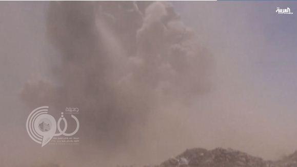 القوات السعودية تدك مواقع و تجمعات لميليشات الحوثيين قرب منفذ حرض الحدودي– فيديو
