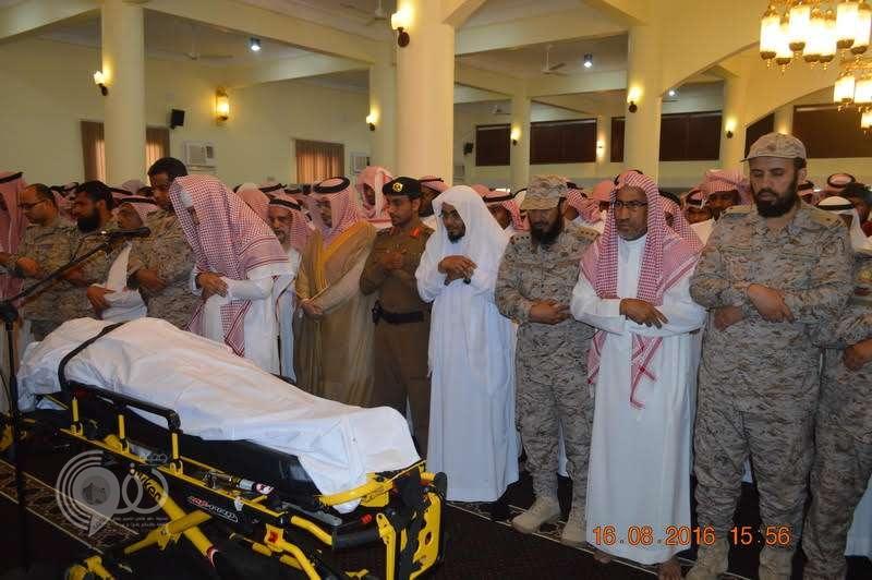 الجموع تشيع جثمان الشهيد العريف فهد سهلي بدرعية صامطة