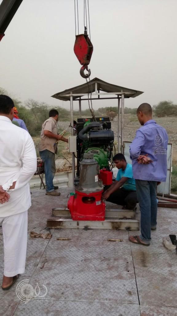 """بعد انقطاع المياه لمدة تزيد عن """"8"""" أشهر : بدء تشغيل المشروع من جديد بالعيدابي والقوام -(صور)"""