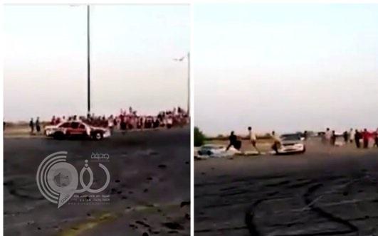 بالفيديو : حفل تفحيط ينتهي بدهس متجمهرين بحي سكني في القطيف