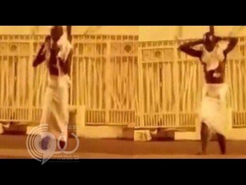 فيديو طريف لـ حاج إفريقي يجري إحماءات قبل رمي الجمرات