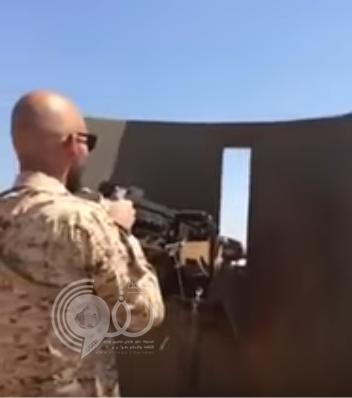 خالد بن طلال ينشر فيديو لابنه محمد وهو على خط النار بالحد الجنوبي