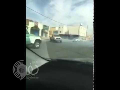 بالفيديو.. شاهد مفحط يسخر من مرور رفحاء