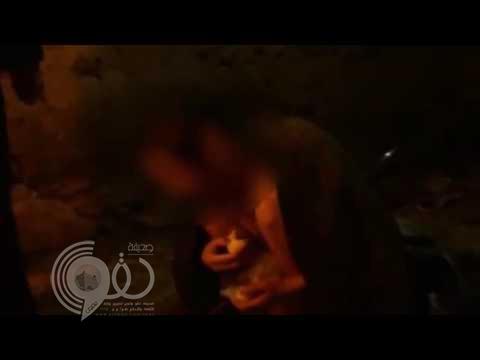 """والدان صينيان يحجزان ابنهما لأكثر من 23 عاماً داخل حظيرة .. """"فيديو"""""""