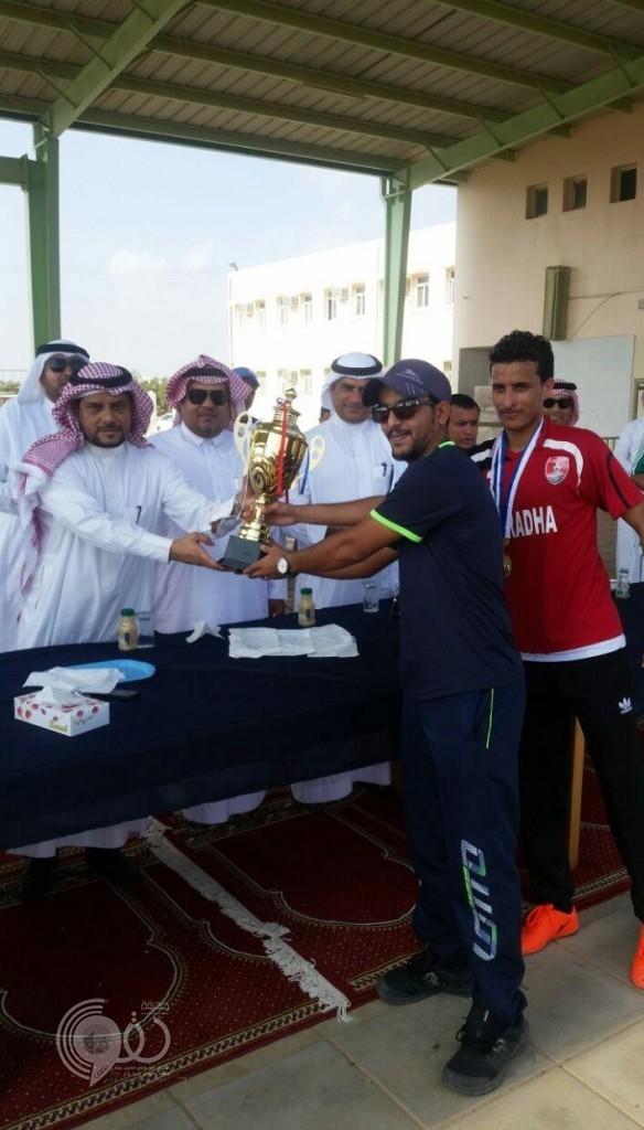 فريق مدرسة الأمير سلطان بن عبدالعزيز بالردحة بطلا لدوري مدارس الدرب