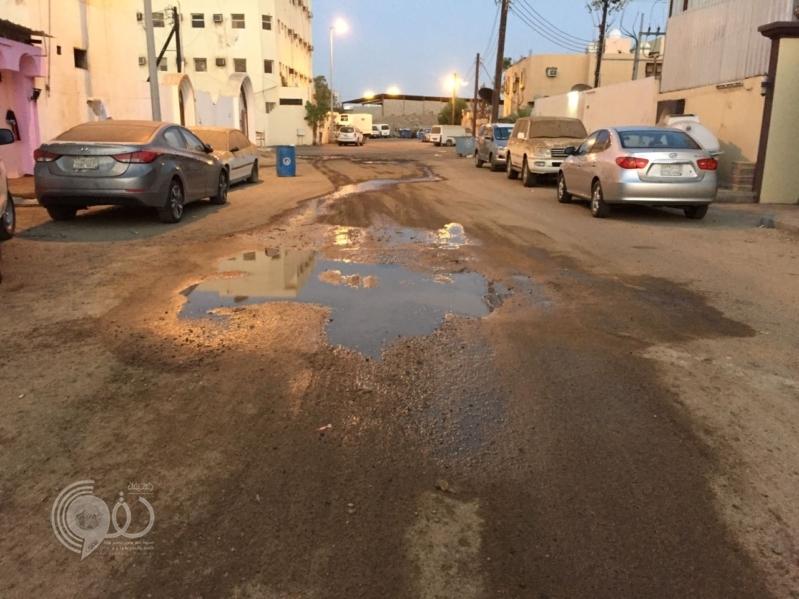 بالصور.. مياه الصرف تحاصر سكان صفا جازان بعد أسبوعين من نزحها!