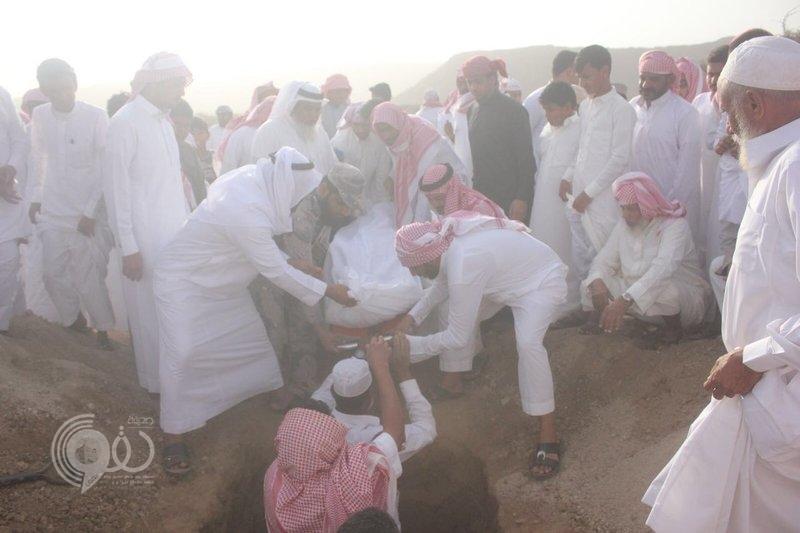 """بالصور : تشييع جثمان شهيد الواجب """"العريف محمد محزري"""" في """"أحد المسارحة"""""""